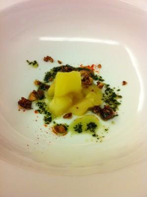 Tambor de almendra de Mallorca y compota de manzana (del plato de crema de calabaza)